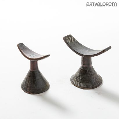 Lot de deux appui-nuques d'Ethiopie en bois,...