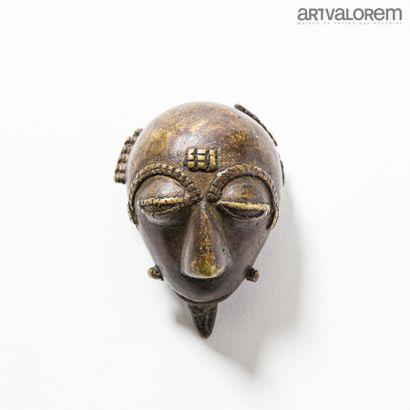 Petit masque en bronze BAOULE (République...
