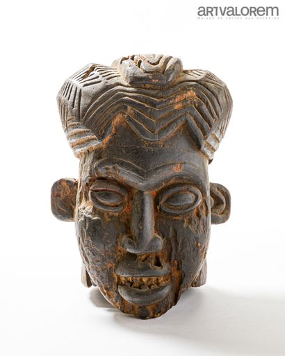 Masque du royaume de KOM (Cameroun) en bois...
