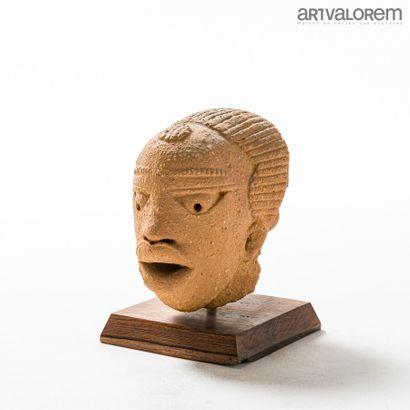 Tête en terre cuite, culture NOK (Nigéria), 200-500 ap JC  H. 15 cm