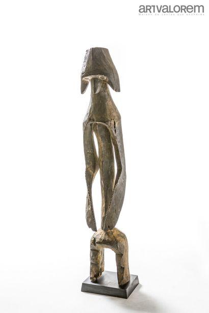 Statue en bois MUMUYE (Nigéria). Masque casque...