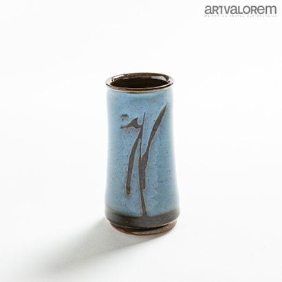 HOUTMANN Colette (né en 1953)  Vase rouleau...