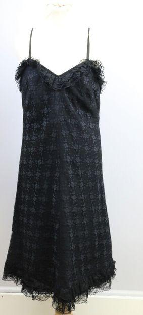 Ensemble de deux robes vintages  Une en dentelle...