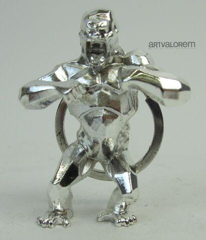 Richard ORLINSKI  Porte-clefs en métal argenté...