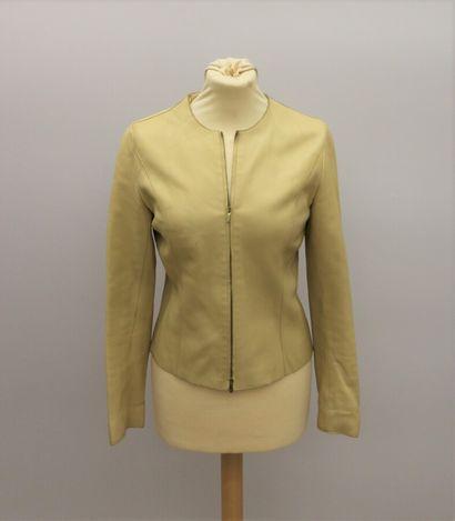 APOSTROPHE  Petite veste courte en cuir beige,...