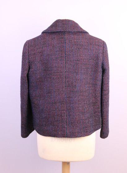CARVEN  Caban en tweed bleu, noir, rouge, se fermant par un bouton et un bouton...