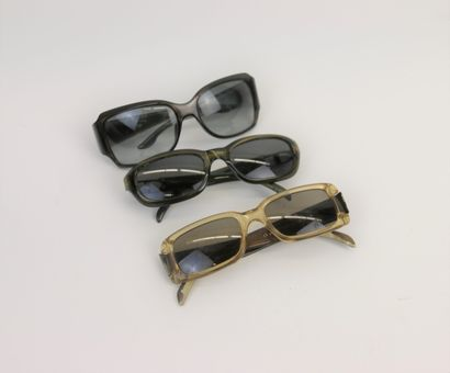 CHRISTIAN DIOR  Trois paires de lunettes...