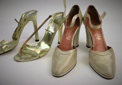 Deux paires d'escarpins  CHARLES JOURDAN....