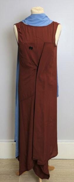 MARNI  Robe longue sans manche en soie mélangée...