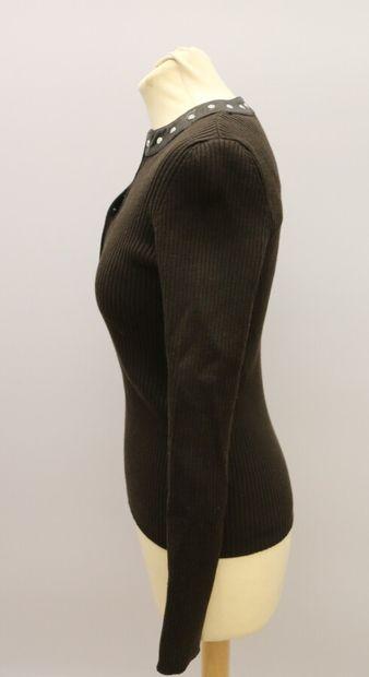 CELINE  Pull en laine mélangée côtelé marron et bordure cuir marron  Taille M  ...