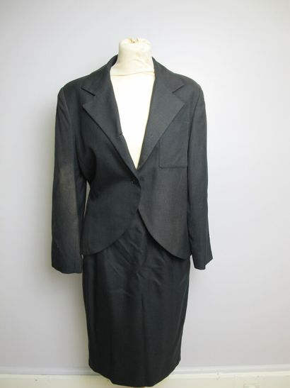 CHRISTIAN DIOR Boutique  Tailleur jupe noir,...