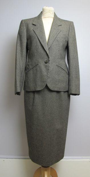 Tailleur jupe longue en laine motif pied...