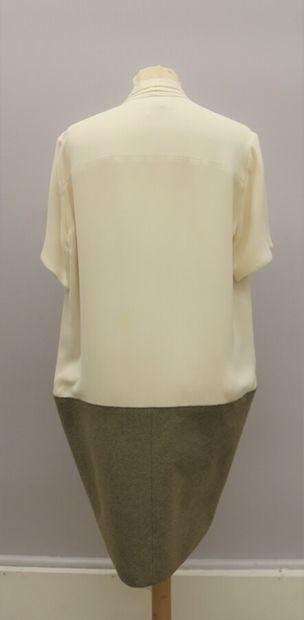 CELINE  Robe soie beige et lainage beige marron, col lavallière  Taille 40/42  (Taches,...