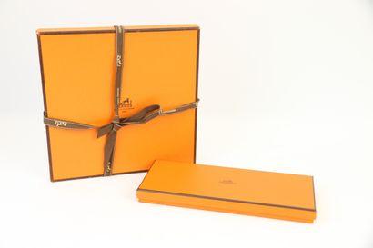HERMES  une boite rectangulaire ( 25 x10...