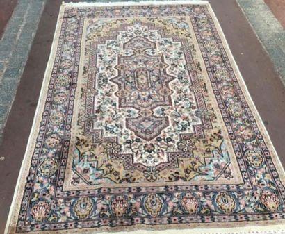 Lahore (Pakistan) laine et soie, vers 1980....