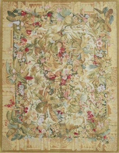 Original tapis de style Savonnerie XXème....
