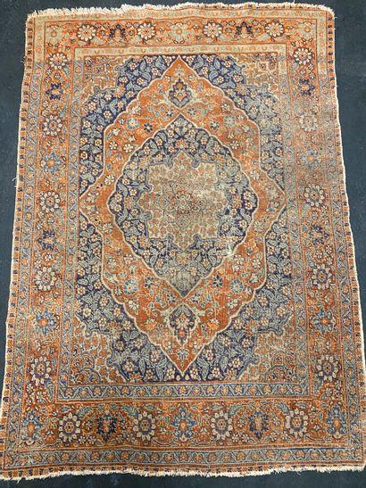 Fin et ancien Tabriz, atelier Djaffer (Perse)...