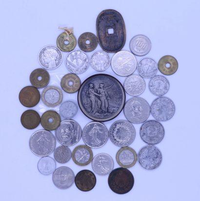 Lot de monnaies diverses    FRAIS JUDICIAIRES...