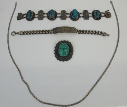 Bracelet en argent 925°/°° orné de maillons...