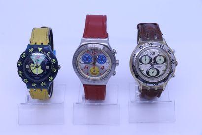 SWATCH  Trois montres dont deux chronos....