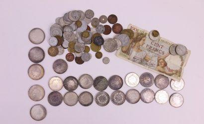 Un lot de monnaies en argent : 5 50 francs...
