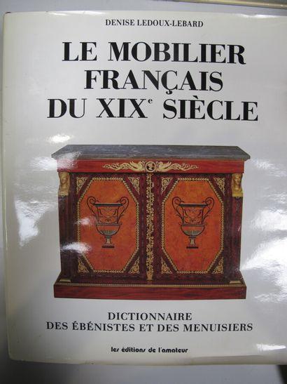 [DOCUMENTATION] Huit ouvrages sur le mobilier...