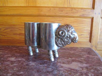 Porte bouteilles en métal argenté en forme...