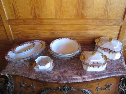LIMOGES FRANCE  Partie de service en porcelaine...