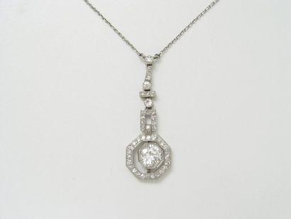 Pendentif en platine, orné d'un diamant taille...