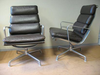 Charles et Ray Eames Deux fauteuils série...