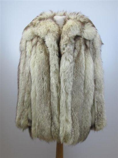 Veste en renard argenté de la maison fourrure...