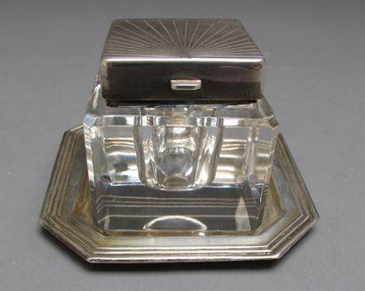 Encrier en cristal taillé de forme carrée,...