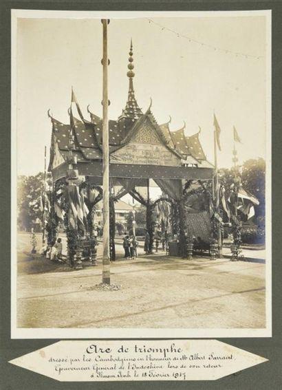 1917 Trois Arcs de Triomphe, dressés par...