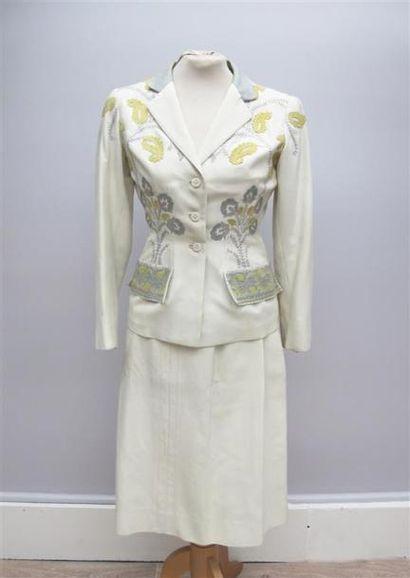 CARVEN Haute Couture. Tailleur jupe en coton...
