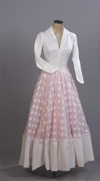 CARVEN Haute Couture .Très ample jupe longue...