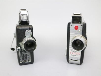 Lot de 2 caméras : Ciné-Kodak Royal Magazine,...