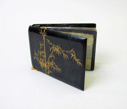 THAN LE. Album photos de 20 pages (vides)...