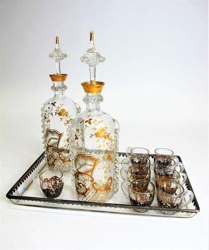 Service à liqueurs en verre et rehauts d'or...