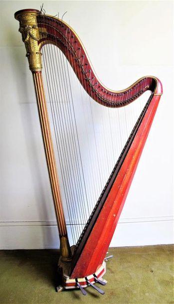 Belle harpe classique portant la marque originale...
