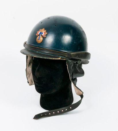 Beau casque de l'escorte motorisée du Maréchal...