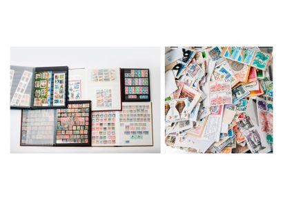 Lot de 5 albums de timbres. On joint : Un...