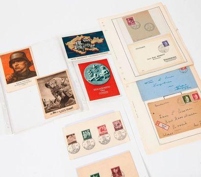 Album contenant des cartes postales de propagande,...
