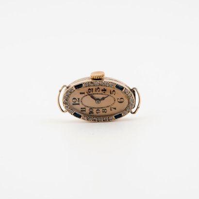 Boîtier ovale de montre bracelet de dame...