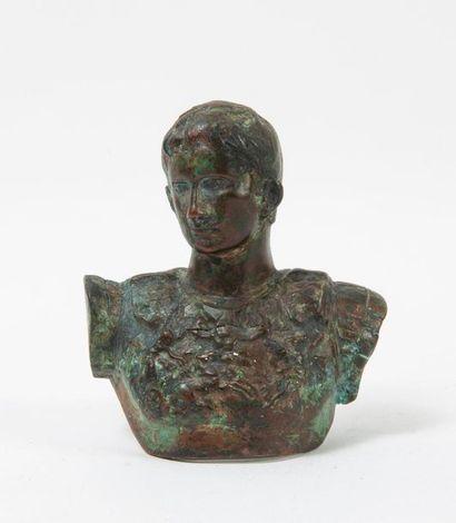 Buste d'Empereur romain portant cuirasse...