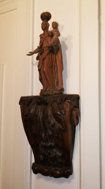 Vierge à l'Enfant tenant le globe en tilleul...
