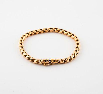 Bracelet en or jaune (750) à maille palmier....