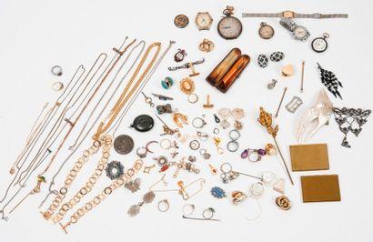 Lot de bijoux de fantaisie, montres et objets...