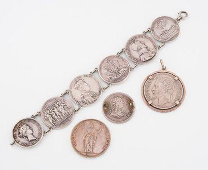 Bracelet articulé en argent (min. 800) formé...