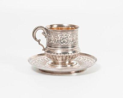Tasse et sous-tasse en argent (950) à décor...