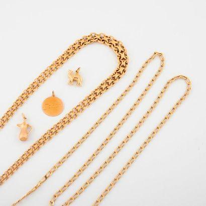 Lot en or jaune (750) comprenant :  - Collier...